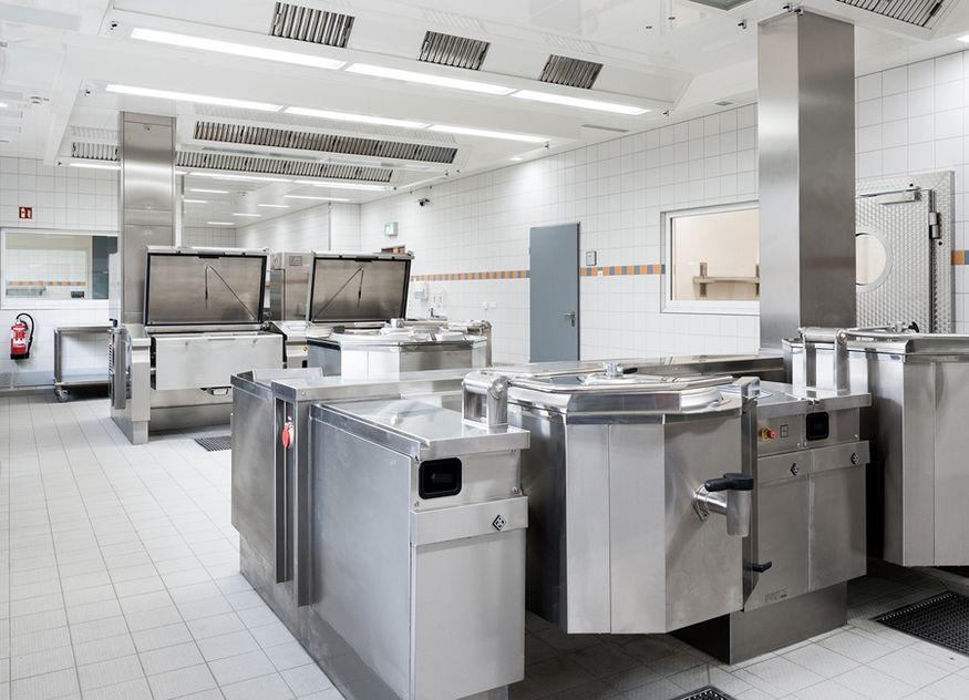 Die neue Zentralküche vom Klinikumsverbund in Marl: Nach Umstellung auf energieeffiziente Techniken und Cook & Chill lassen sich nun jährlich 177 Tonnen CO2 einsparen