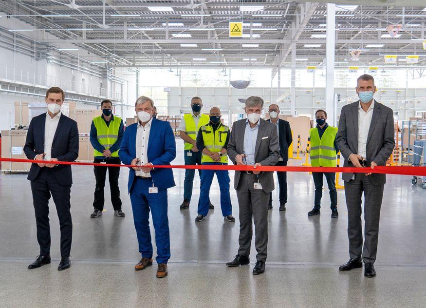 Der Vorstand von Rational eröffnete gemeinsam die neue Versandhalle (von links nach rechts): Jörg Walter, Peter Wiedemann, Peter Stadelmann und Markus Paschmann
