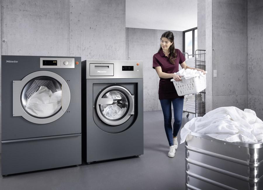 Die neuen Waschmaschinen und Trockner von Miele sind mit Desinfektionsprogrammen ausgestattet, die den Vorgaben des Robert-Koch-Institus und des Verbundes für Angewandte Hygiene entsprechen