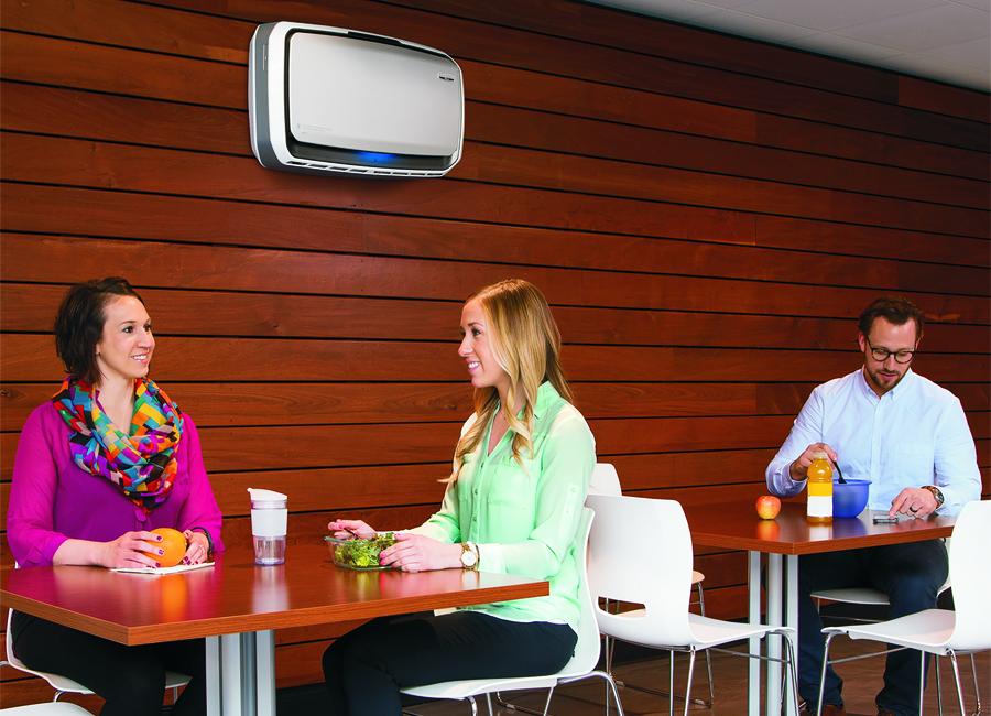 Die Hochleistungs-Luftfilteranlagen AeraMax Professional AM 3 sind als mobile Anlage oder als Wandmontage geeignet und entfernen 99,97 Prozent der schädlichen Keime, Allergene und Partikel / Foto: GGG
