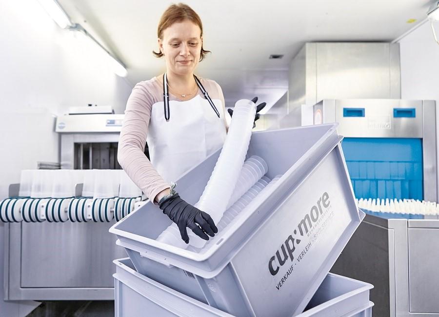 Meiko Spülmaschine M-iQ besonders Gastronomie Großküchen Großspülmaschine